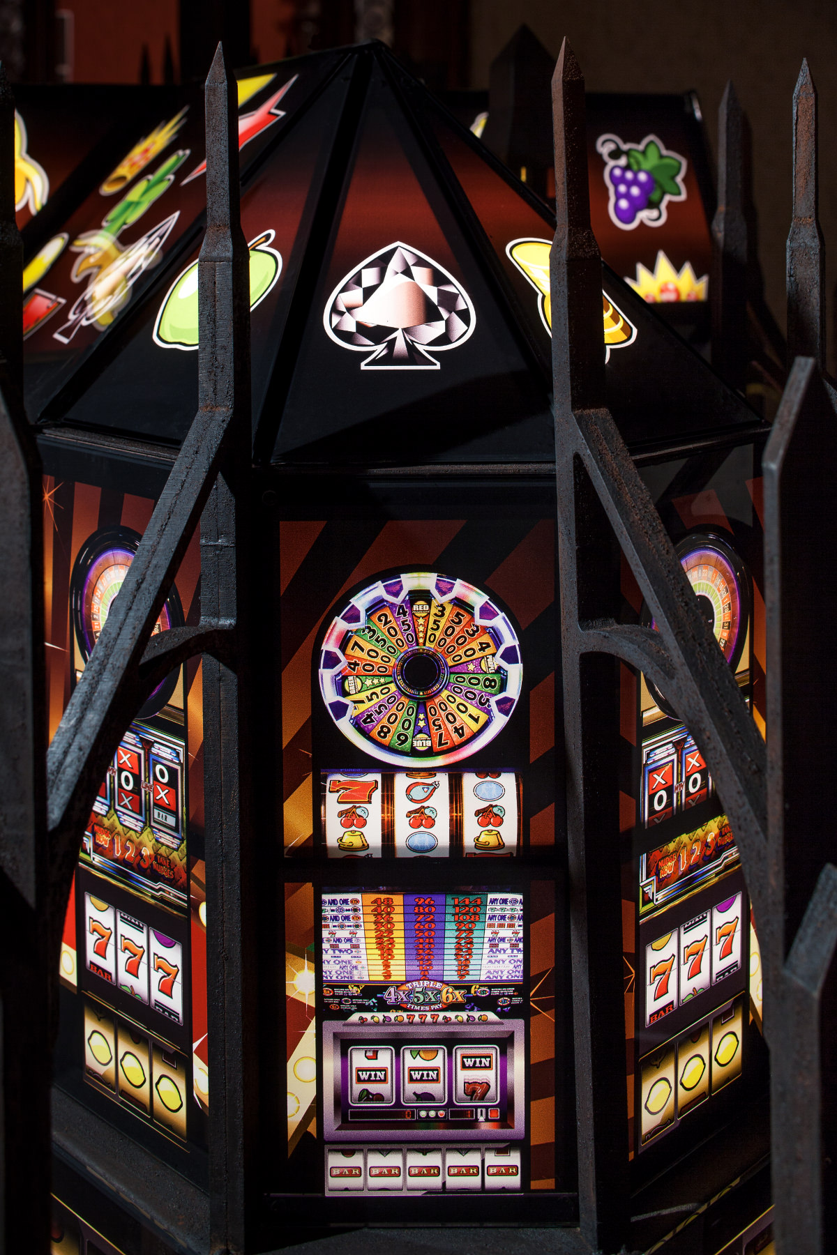 Mat Collishaw - Jewel Slot Empire