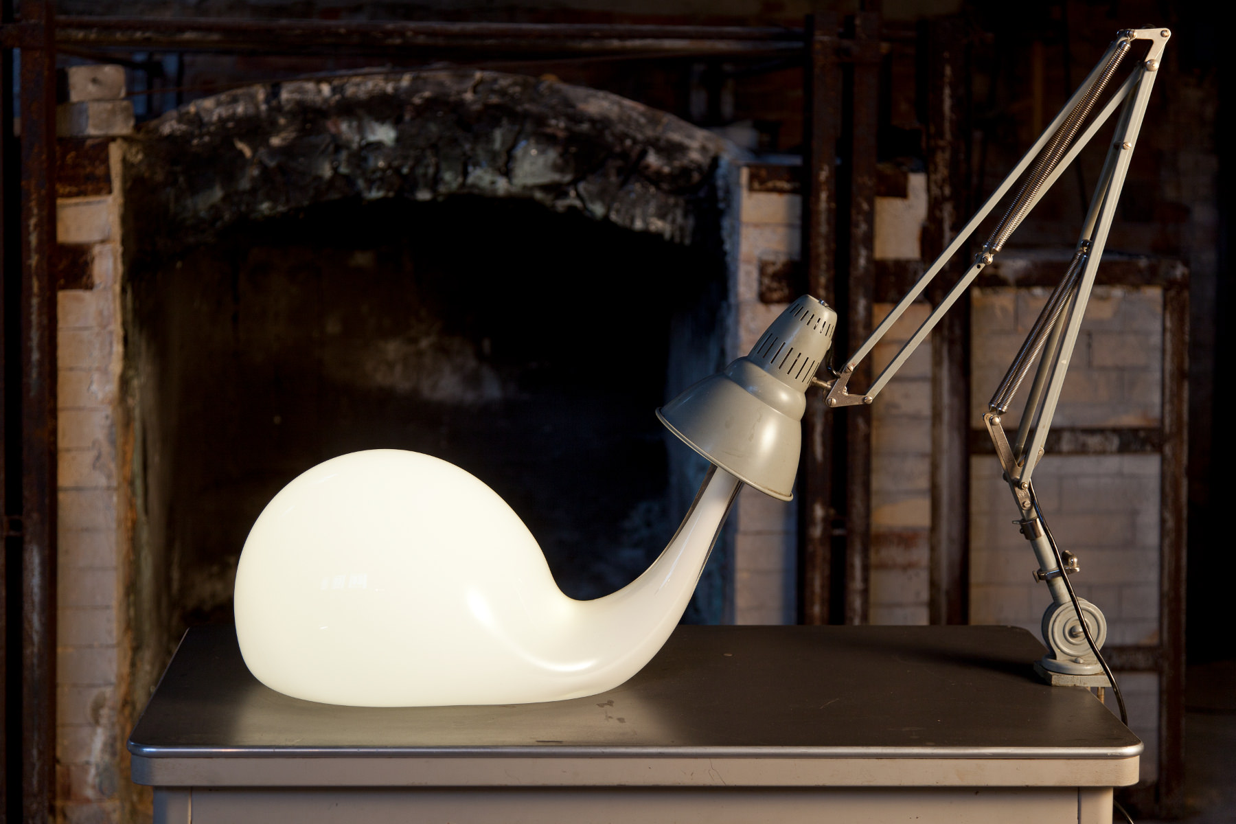 Pieke Bergmans - Desk Light Blub