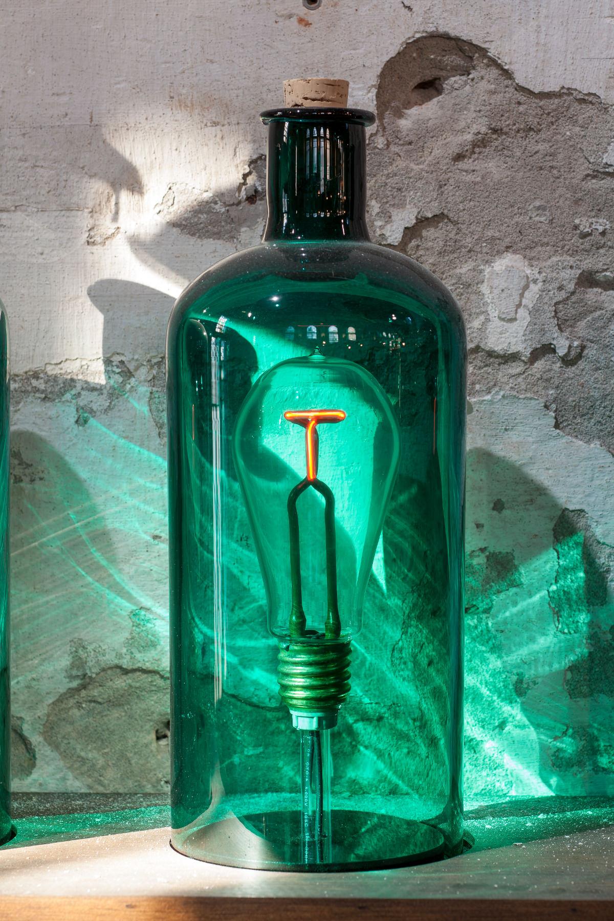 Oliver Clegg - Artificial