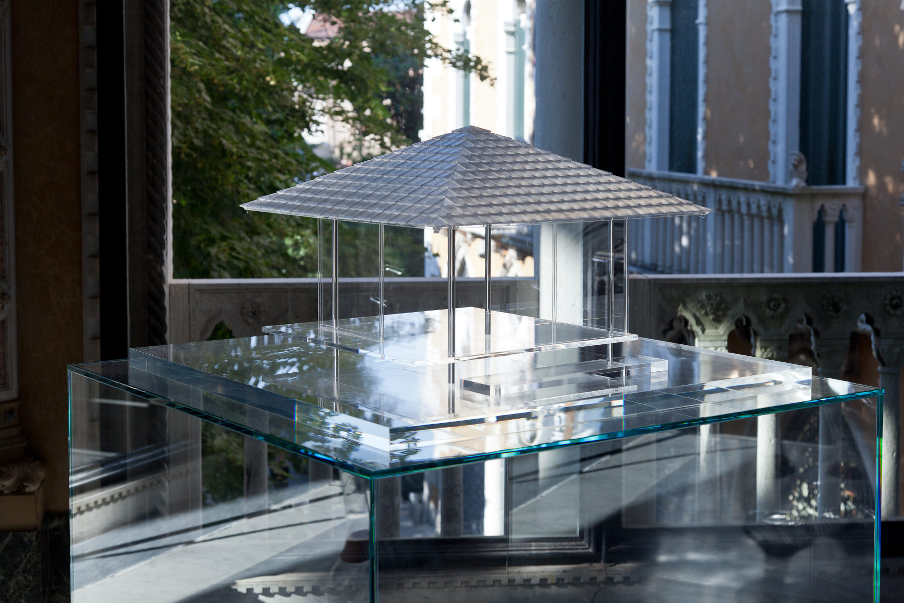 Tokujin Yoshioka - The Glass Tea House